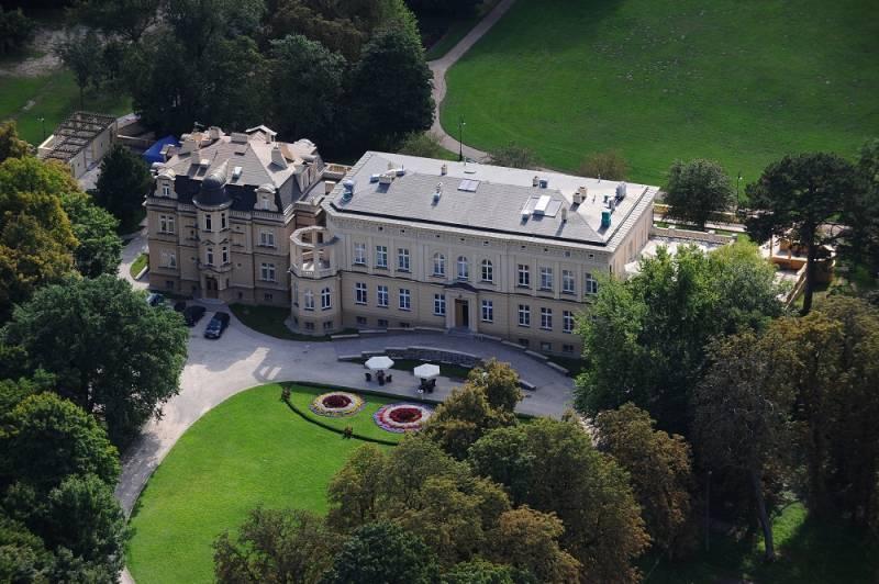 Zespół Pałacowo Parkowy Ostromecko