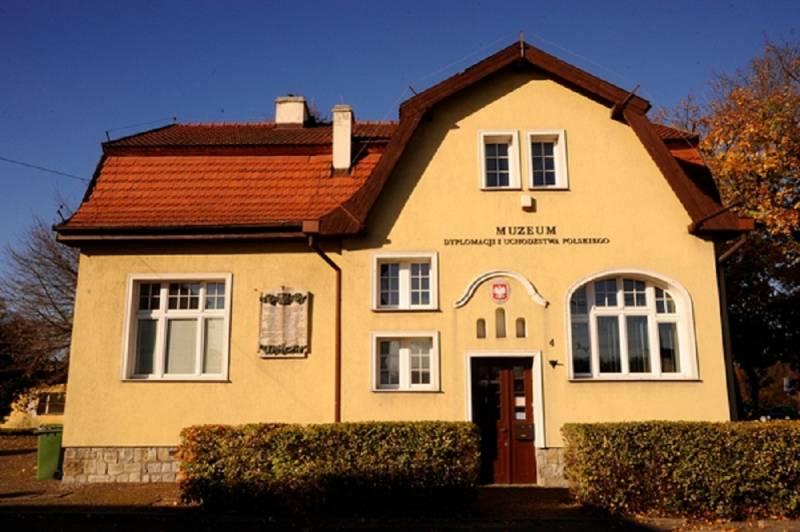 Spotkanie z Bogumiłą Żongołłowicz - autorką książki Konsul