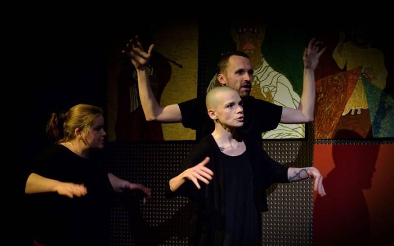 W starym domu - spektakl improwizowany grupa Trzy Słowa i przyjaciele