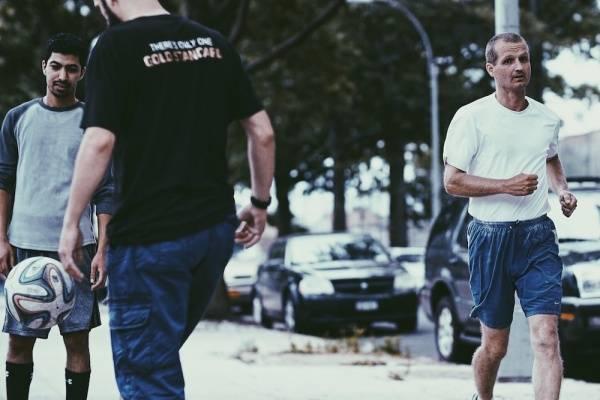 MILLENNIUM DOCS AGAINST GRAVITY - 3100: biegnij i medytuj