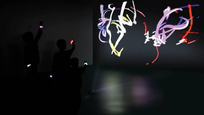 Light graffiti - warsztaty multimedialne dla dzieci