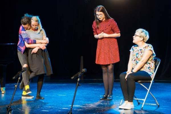 Teatr wymyWammy: Noś okulary ochronne