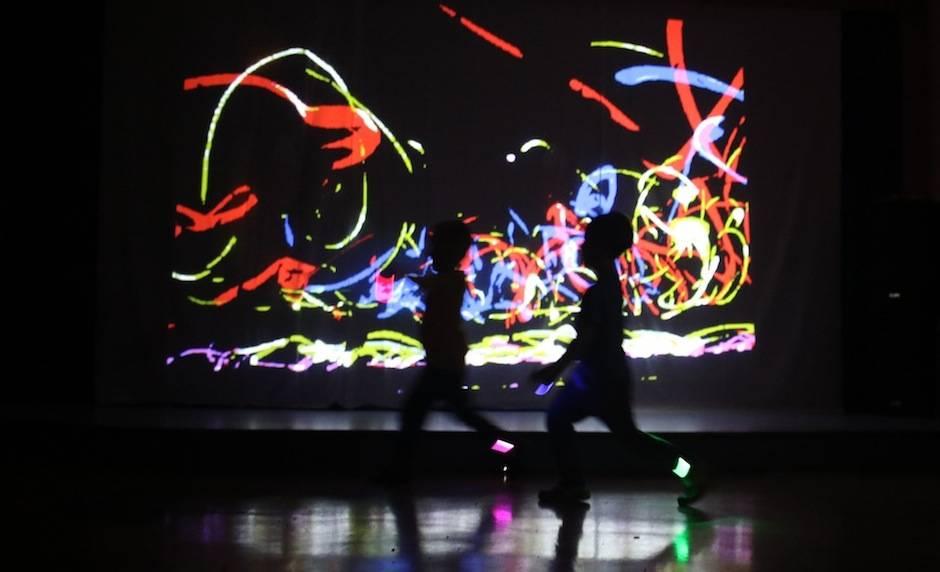 Wirtualne spotkania ruchu, dźwięku i obrazu