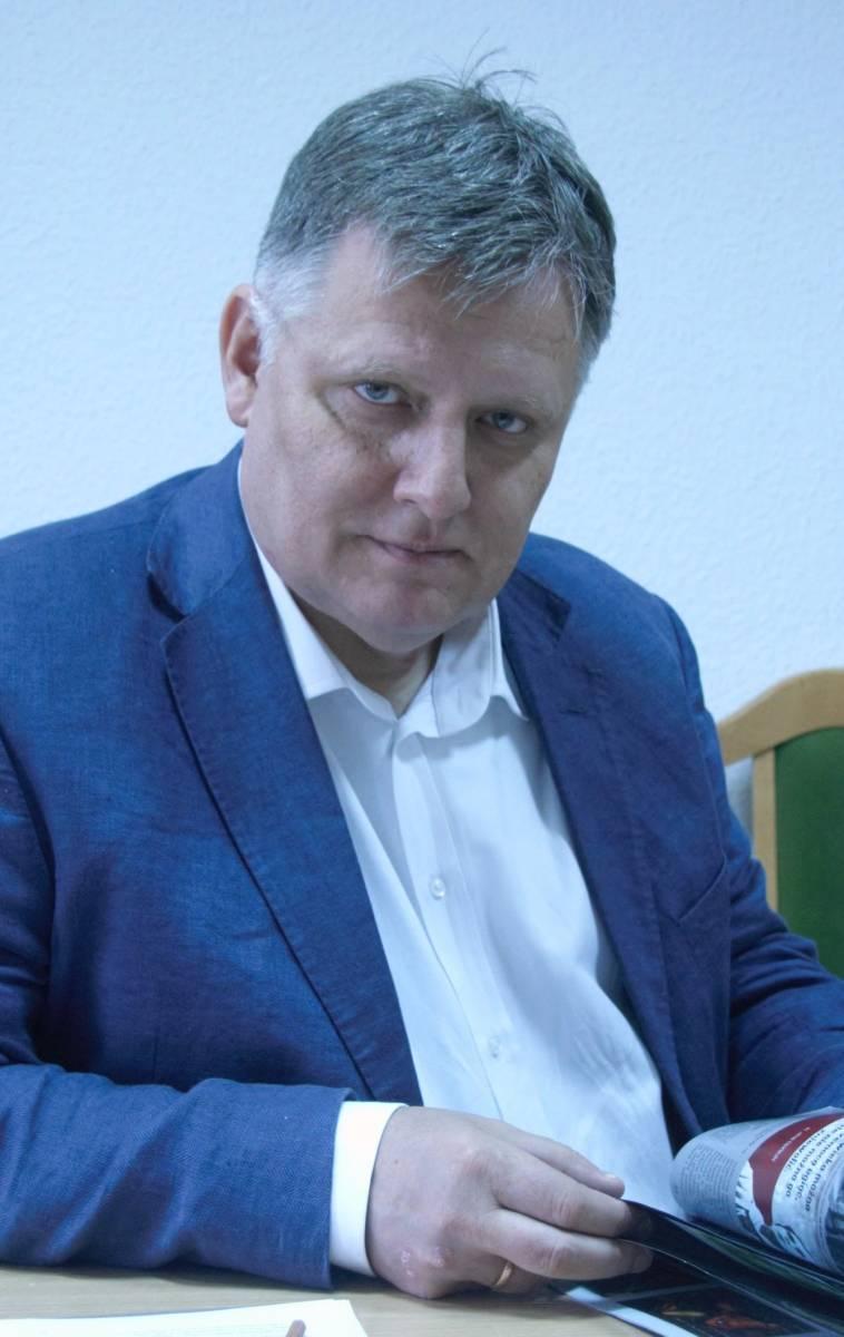 """Prezentacja wierszy Roberta Mielhorskiego pt. """"... w pięknym darze niespełnienia"""""""