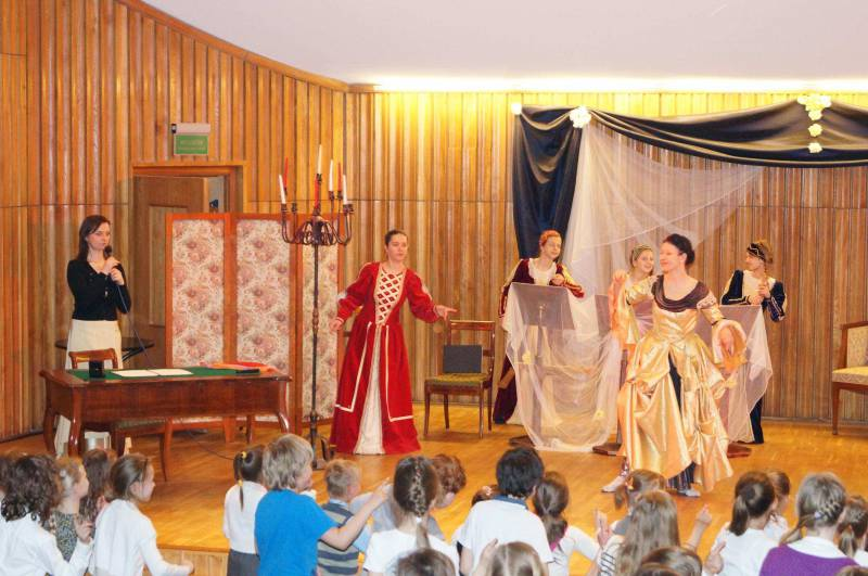 """Akademia WioliMisia: """"Wytworny bal w Królestwie WioliMisia"""""""