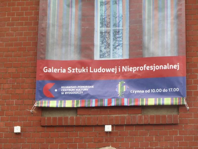 Wernisaż wystawy prac grupy plastycznej Kujawskiego Uniwersytetu III Wieku